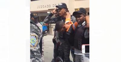 VIDEO. Imputado en caso de Kimberly Adón se desmaya antes de que se le dictara medida