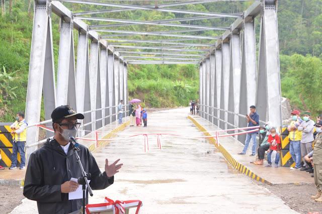 Bupati ASA Resmikan Jembatan Batu Leppa Sinjai Barat
