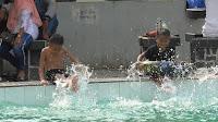 Libur Sekolah, Dua Pemandian Air Panas Ramai Pengunjung