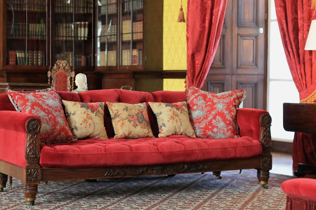 Red Couch Kilkenny Castle