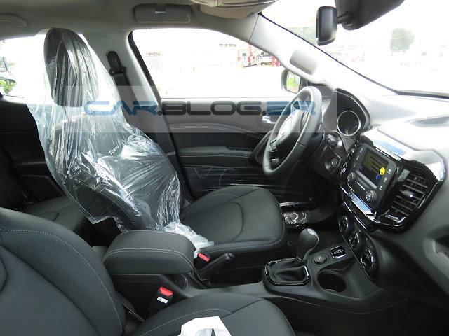 Fiat Toro Freedom Automática 1.8 Flex - interior