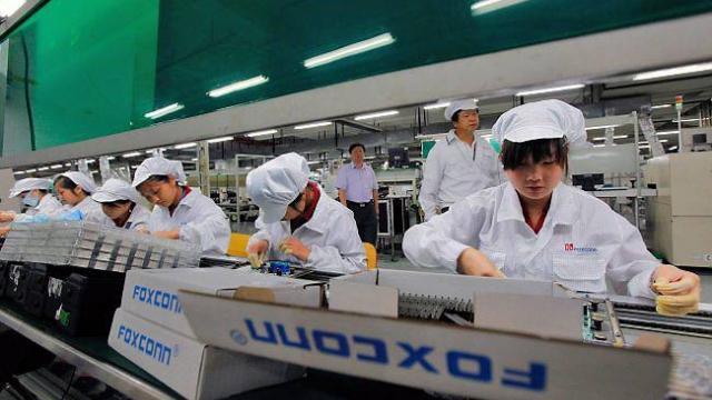 اتهامات لآبل بسبب مصانعها في الصين