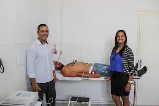 Aparelho de eletrocardiograma