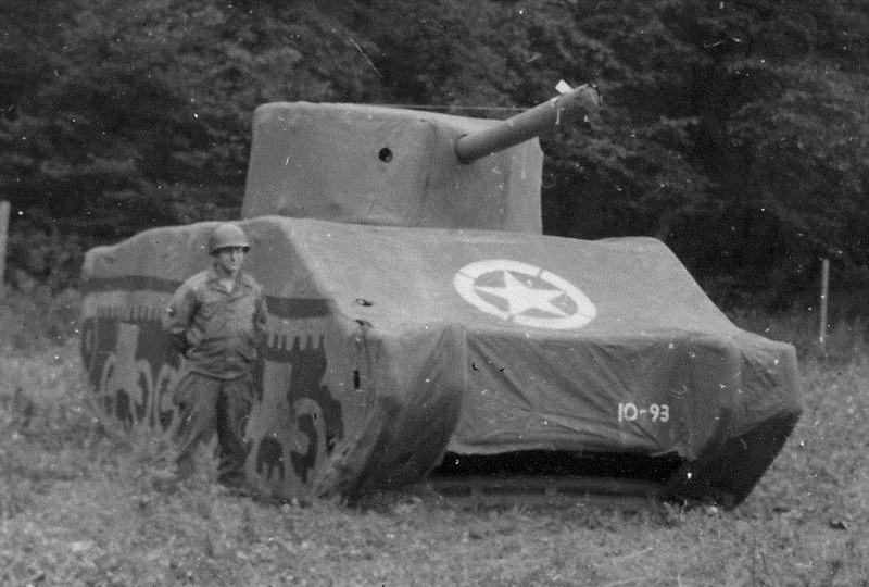 Tank tiruan