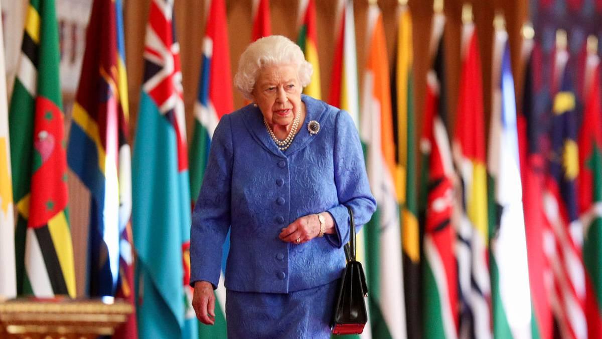 """La reina Isabel II está """"triste y preocupada"""", reacción a entrevista de Meghan y Harry"""