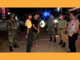 Patroli Aparat Gabungan TNI POLRI Tertibkan Protokol Kesehatan