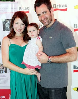 Linda Cardellini with her partner Steven Rodriguez & their daughter