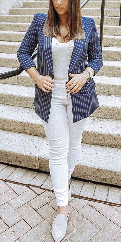 Blazers one of those important wardrobe staples that everyone should have. See these 22 Catchy Blazer Outfits to Stand Out from The Crowd. Coat + Jacket Outfits via higiggle.com | Blazer in the navy strip | #blazer #jacket #casualoutfits