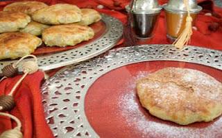 لالة مولاتي سلوى من مراكش تقدم بريوش بيتزا - بسطيلة بدجاج و الفرماج