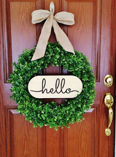 Hiasan pintu kamar dari tanaman hijau