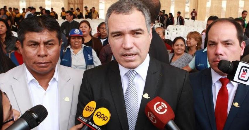 Renunció Ministro de Cultura Salvador del Solar Labarthe