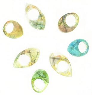 Diseño de anillo muy creativo e inusual de resina