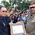 Di Peringatan Bulan K3, Olly Serahkan Piagam Penghargaan kepada Bupati/Walikota