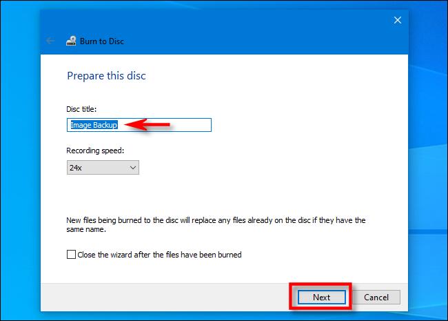 """في معالج النسخ على قرص Windows 10 ، أدخل عنوان القرص وانقر فوق """"التالي""""."""