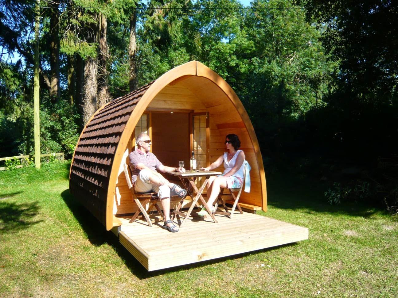 case prefabbricate Pod con la sua terrazza