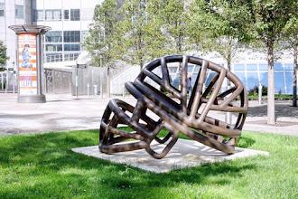 Art : BC1, une oeuvre de Ben Jakober - Cours Michelet - La Défense