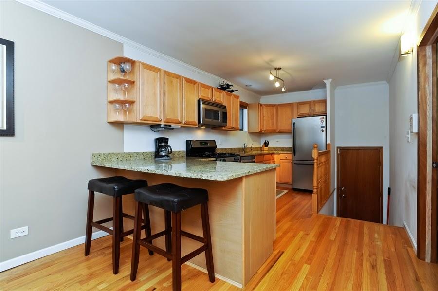 The Chicago Real Estate Local: Video! Lincoln Park duplex ...