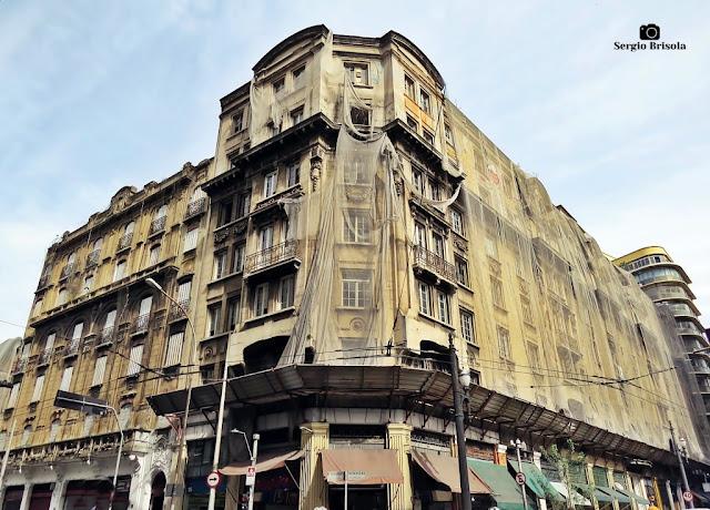 Vista ampla da fachada do Palacete do Carmo - Sé - São Paulo
