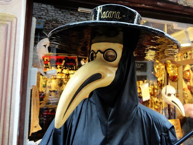 Benátčané znali respirátory už před 700 lety, infekce, mor, virus