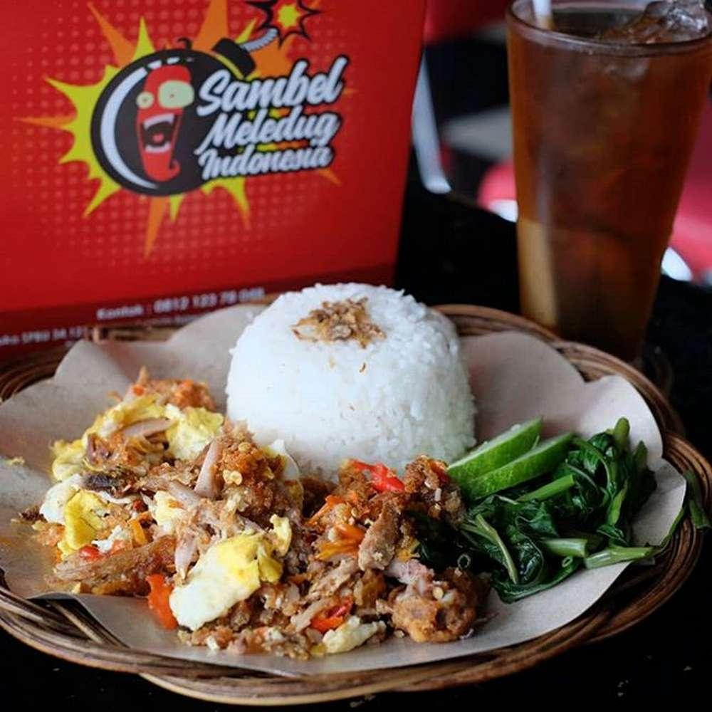 Ayam Geprek Sambal Meledug Indonesia (instaguz.com)
