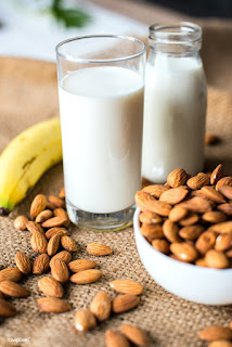 कितनी मात्रा में दूध पीना चाहिए
