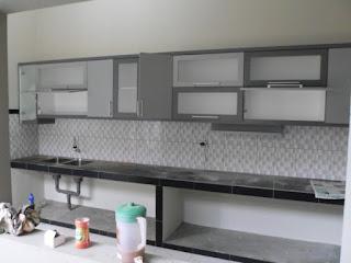 furniture semarang - kitchen set minimalis pintu kaca engsel hidrolis 01
