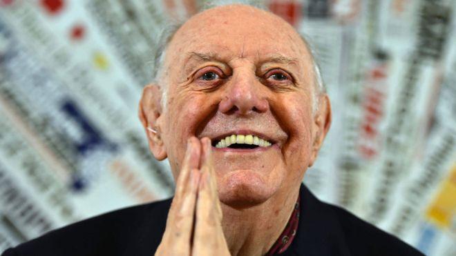 Dario Fo: Italian playwright dies aged 90