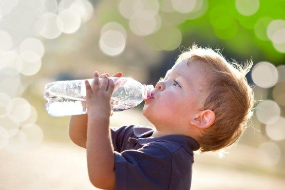 Tips Mengatasi Anak Susah Minum Air Putih