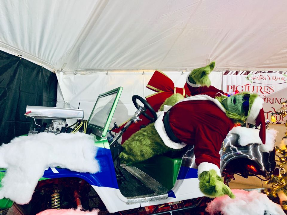 Take a selfie with Mr. Grinch #ad