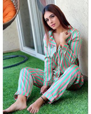 Neha Malik Hot Photos