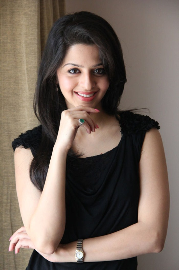 Stylish and cute Vedhika in black top