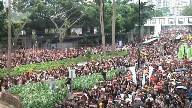 Protestan en Hong Kong por retirada de ley de extradición a China