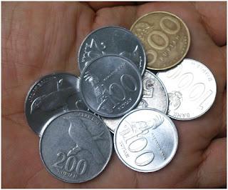 Gambar uang recehan nilai terendah didalam mata uang rupiah.