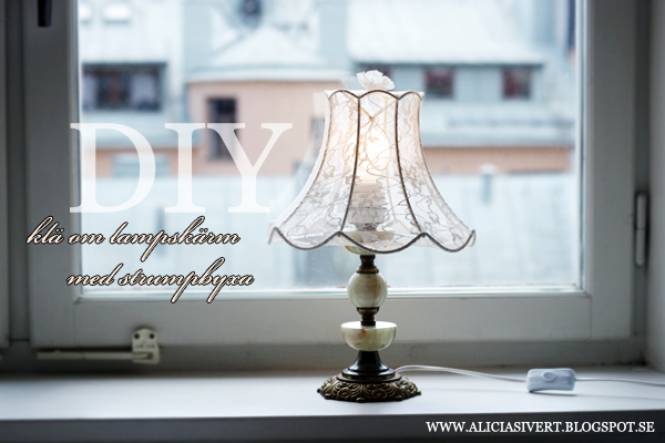 aliciasivert, alicia sivertsson, alicia sivert, diy klä om lampskärm med strumpbyxa, do it yourself, gör det själv, återbruk, upcycle, remake, redo, återbruksdesign, lamp shade, stocking, stockings, tights, leggings, pantyhose, redress lampshade, spets, lace, spetsstrumpbyxa, dressing up, redress, loppis, second hand
