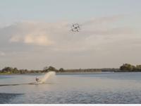 Dronesurfing Yang Mempesona