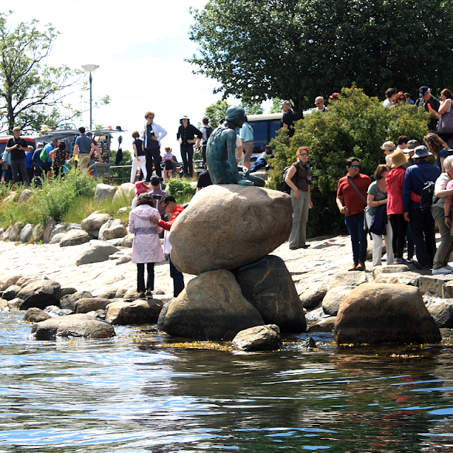 The Little Mermaid draws a crowd in Copenhagen, Denmark