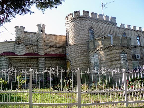 Костянтинівка. Парк «Ювілейний. Замок Жулія. 1990-і р.