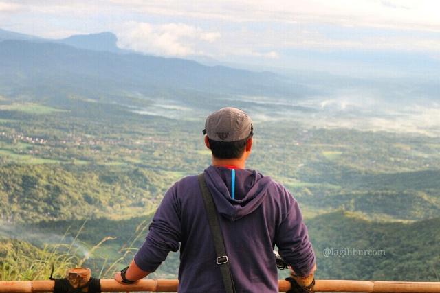 Puncak Gunung Kunir Benowo Purworejo