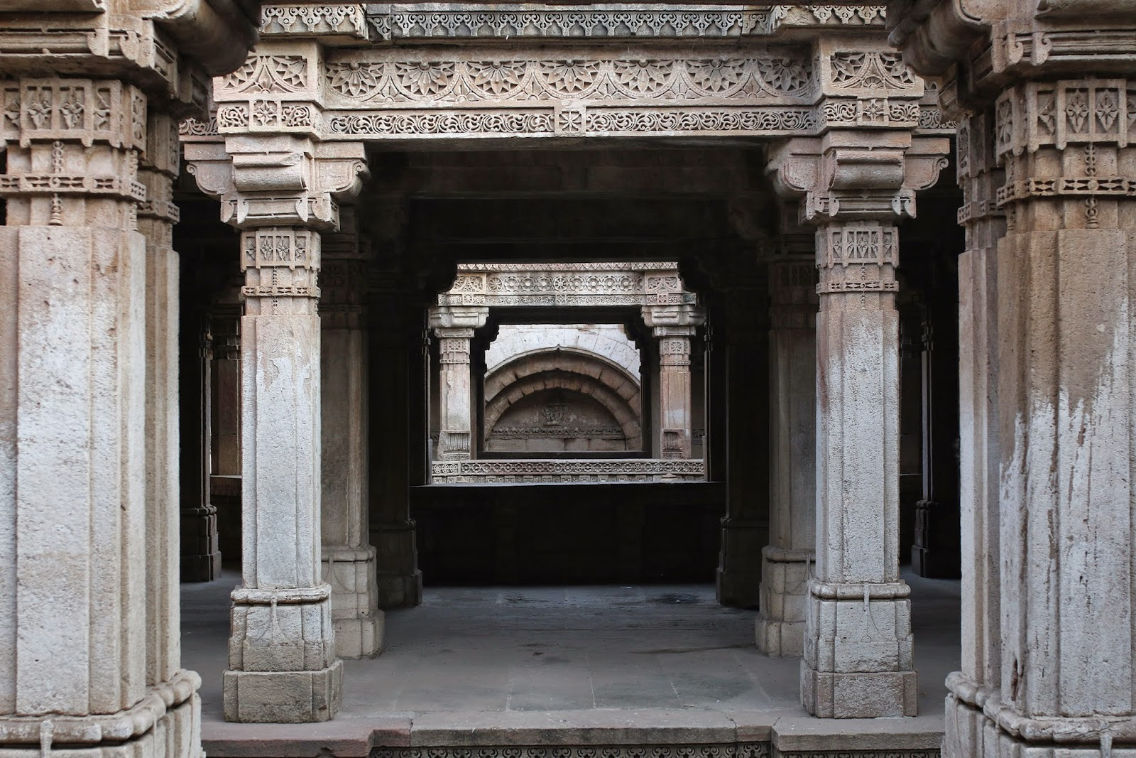 Adalaj ni vav Stepwell Ahmedabad Gujarat carvings beautiful steps travel tourism