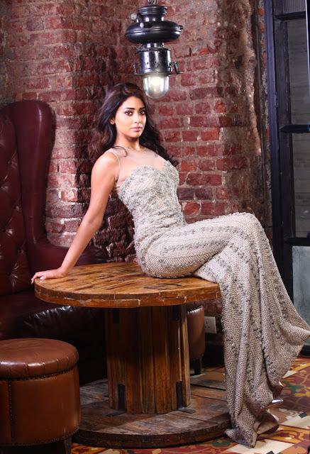 Shriya saran Latest Stunning Hot Photoshoot
