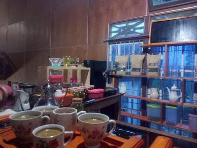 mini bar dengan kopi