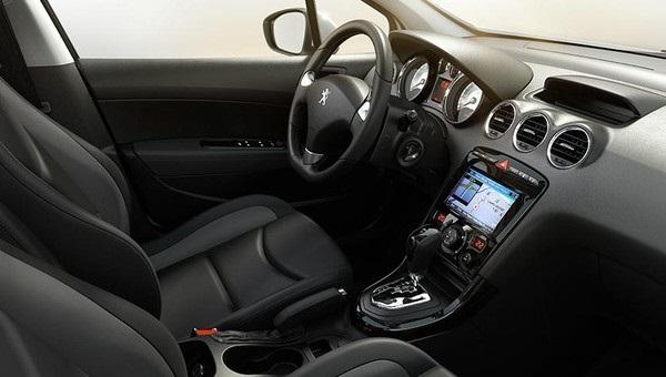 Interior Peugeot 408