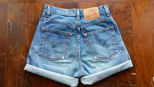 DIY Levis Cut-Off Shorts