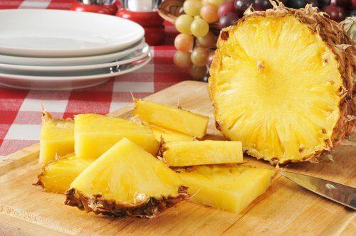 Pineapple Diet for Detox