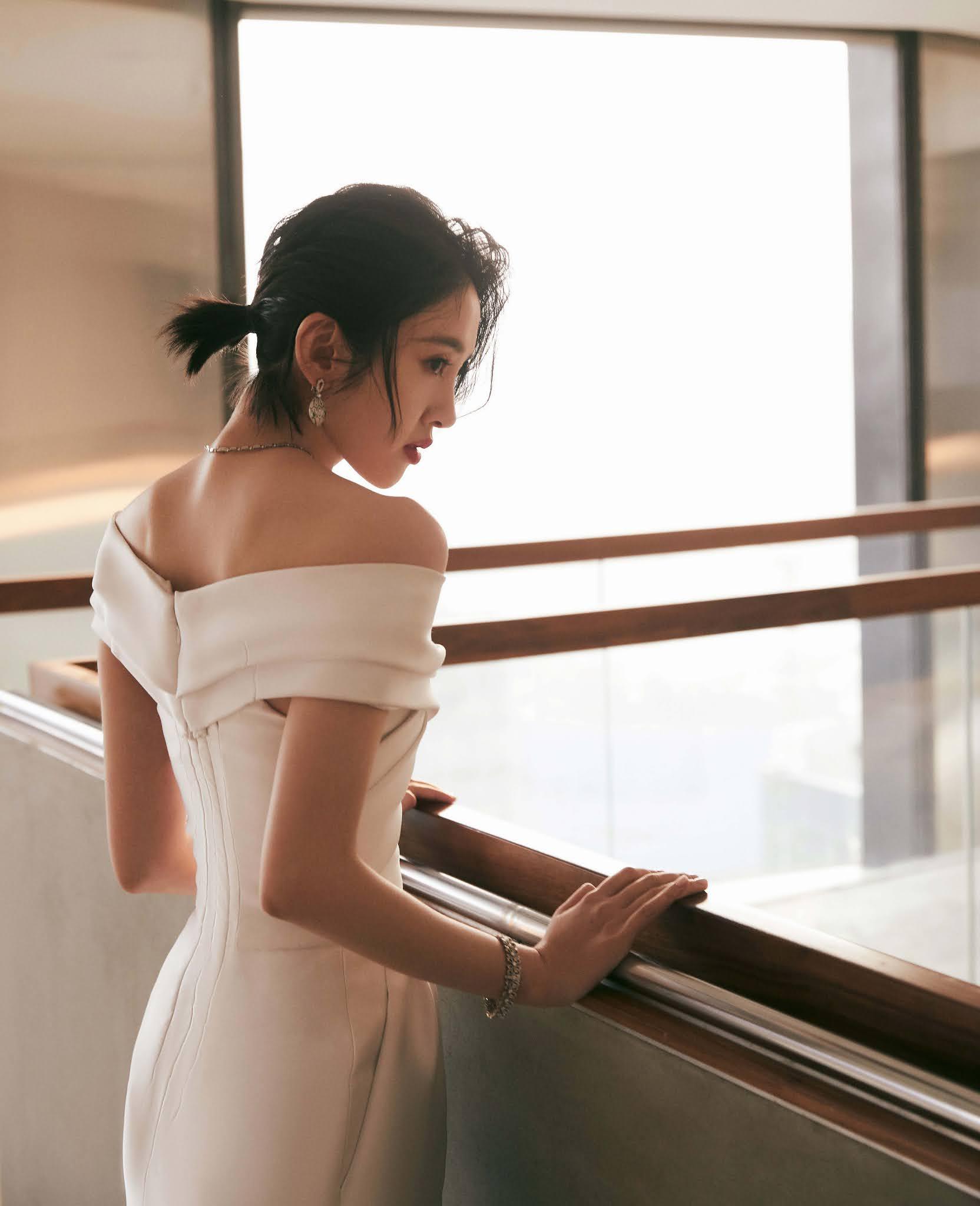 , Tang Yixin poses for photo shoot