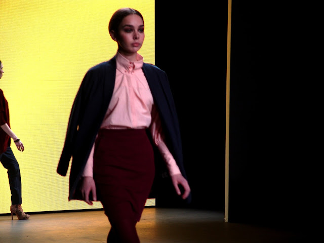 Newsflash; Amsterdam Fashion Week Day 2 Shows by La Vie Fleurit! Fashion, Couture, AIFW, AFW, Spijkers & Spijkers, Claes Iversen, Studio Jux, Marije de Haan
