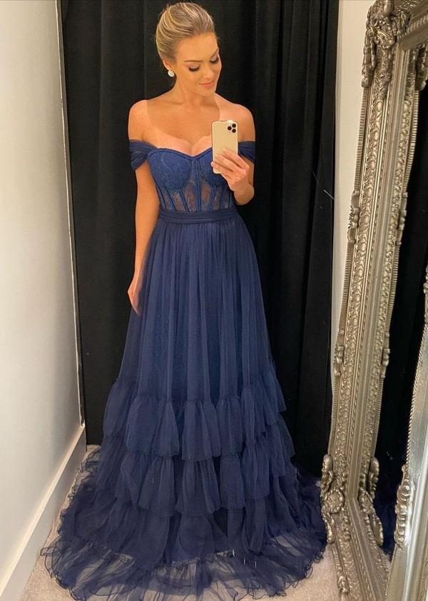 vestido longo azul marinho  de tule