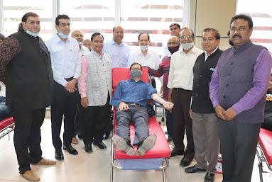 जे.सी. बोस विश्वविद्यालय द्वारा स्वैच्छिक रक्तदान शिविर का आयोजन