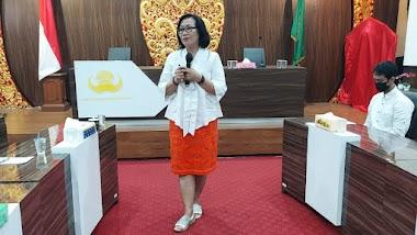 Santy Sastra Berbagi Materi Public Speaking, Etika dan Tata Krama di Kegiatan Orientasi Kerja Calon Dosen Tetap di Lingkungan Yayasan Kesejahteraan Korpri Prop. Bali