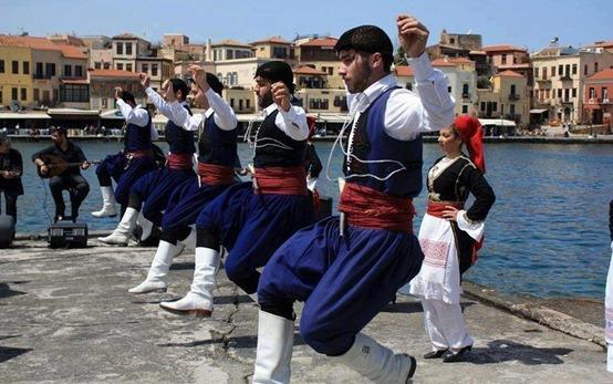 Έναρξη μαθημάτων Κρητικών χορών στο Ναύπλιο